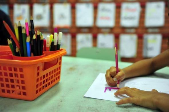 Escola Bhakti: Amar é Servir 01