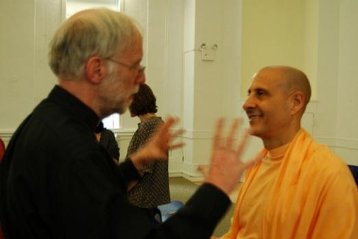 21 I (entrevista - cristianismo) Encontrando Deus Perspectivas Cristã e Hindu5
