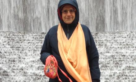 15 I (artigo - sadhana) Kirtana Glorificando o Senhor e Seus Santos Nomes (2150) (pn) (da)2