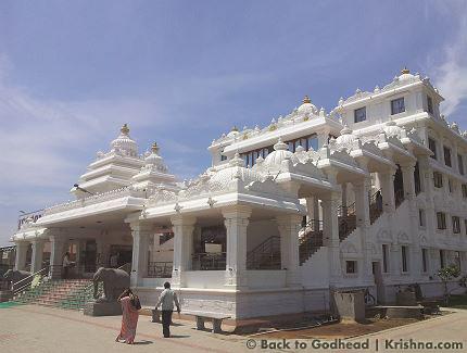 11 I (notícia - Templos) Um Espetáculo Multicolorido dentro do Branco Esplendoroso (1500)2