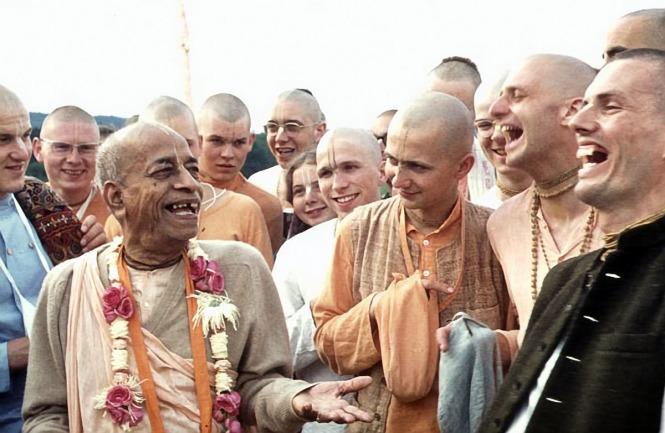 4 I (artigo - sadhana) Encontrando Amigos Espirituais (1150) (bg)1