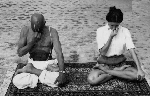 06 I (artigo - Yoga) Os Ensinamentos de Krishna sobre o Yoga e Meditação (5700) (bg) (pn)4
