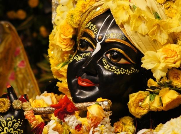 27 R (artigo - Krishna) As 64 Qualidades  de Krsna - 17 a 24 (1602) (bg)