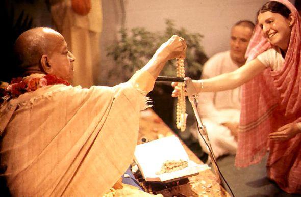 08 I (Pérolas - Sucessão Discipular e Mestre Espiritual) Pés de Lótus, Corações de Cisnes (7500)8