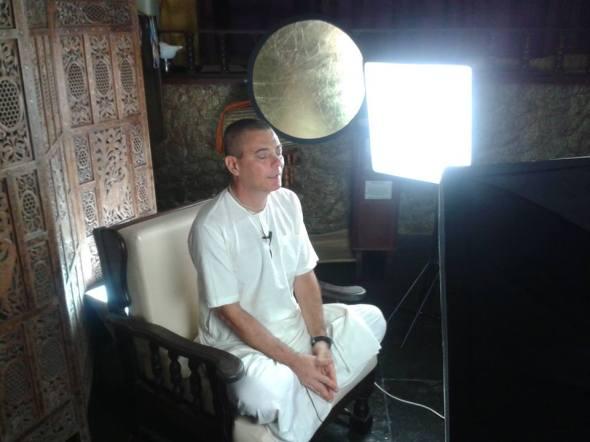 11 I (entrevista - Pregação) Entrevista Vedanta 108 (1203) (ta)