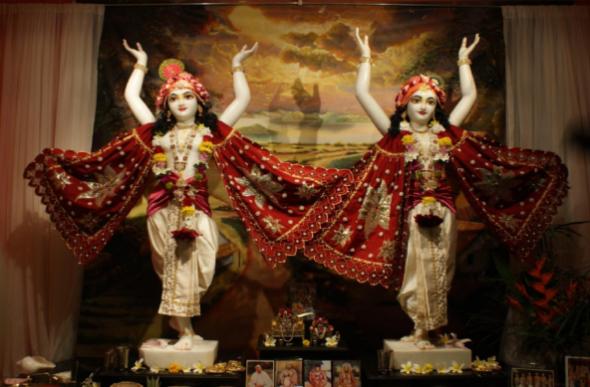 -@ 09 I (entrevista - adoração à Deidade) Por que É Necessária, Afinal, a Adoração à Deidade (2373) (bg) (pm) (ta) (sankirtana)