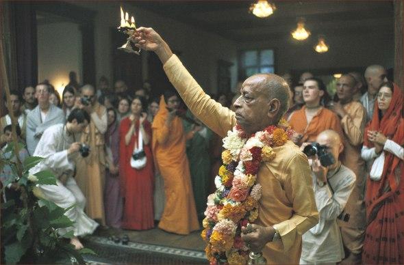 (25) (artigo - bhagavad-gita) Yajna Uma Análise Criteriosa de Sacrifício e Oferenda na Bhagavad-gita (3400) (rev) (ta)2