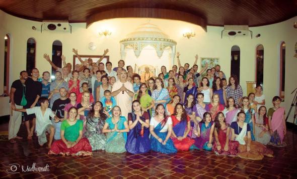 27 (notícia - educação) Reportagem Radha Krishna Camp (1)