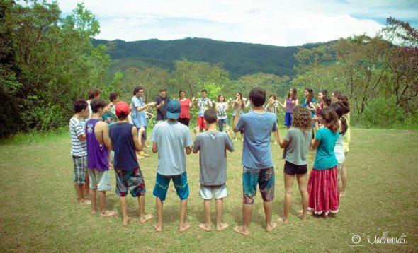 27 (notícia - educação) Reportagem Radha Krishna Camp (13)