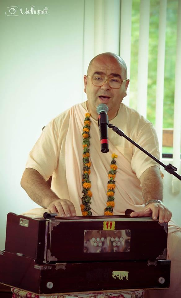 27 (notícia - educação) Reportagem Radha Krishna Camp (15)