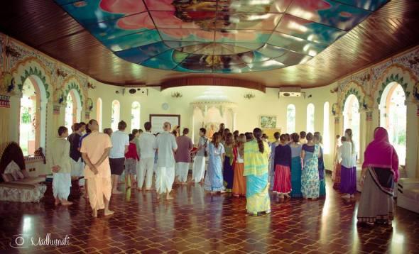 27 (notícia - educação) Reportagem Radha Krishna Camp (5)