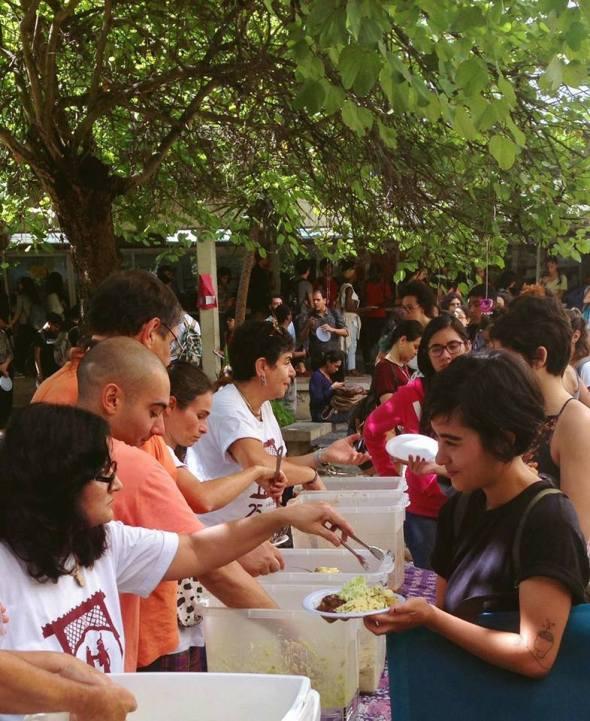 Staff e alunos do IBEV no Alimentos para a Vida na UFRJ